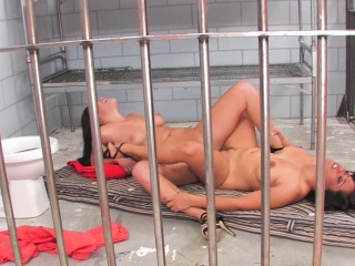 London and Jessica are Jailhouse Bitches